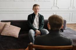 如何判断儿童是否有网瘾?网瘾表现大致可以分为几点?
